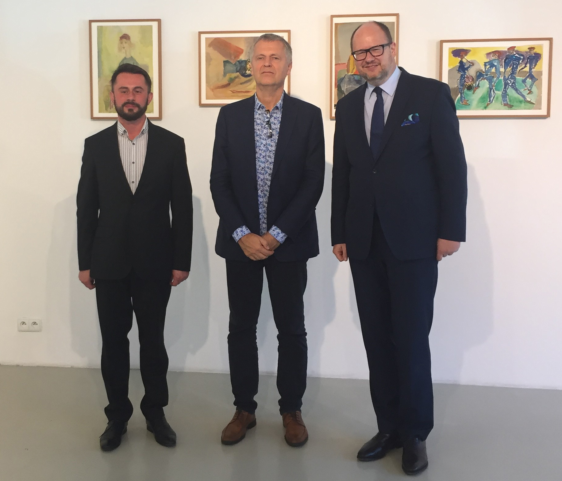 From left: Director of the Gdańsk City Gallery, Piotr Stasiowski, ICORN Director Helge Lunde and Mayor of the City of Gdańsk, Paweł Adamowicz at the Gunter Grass Gallery at Gdansk City Gallery. Photo.