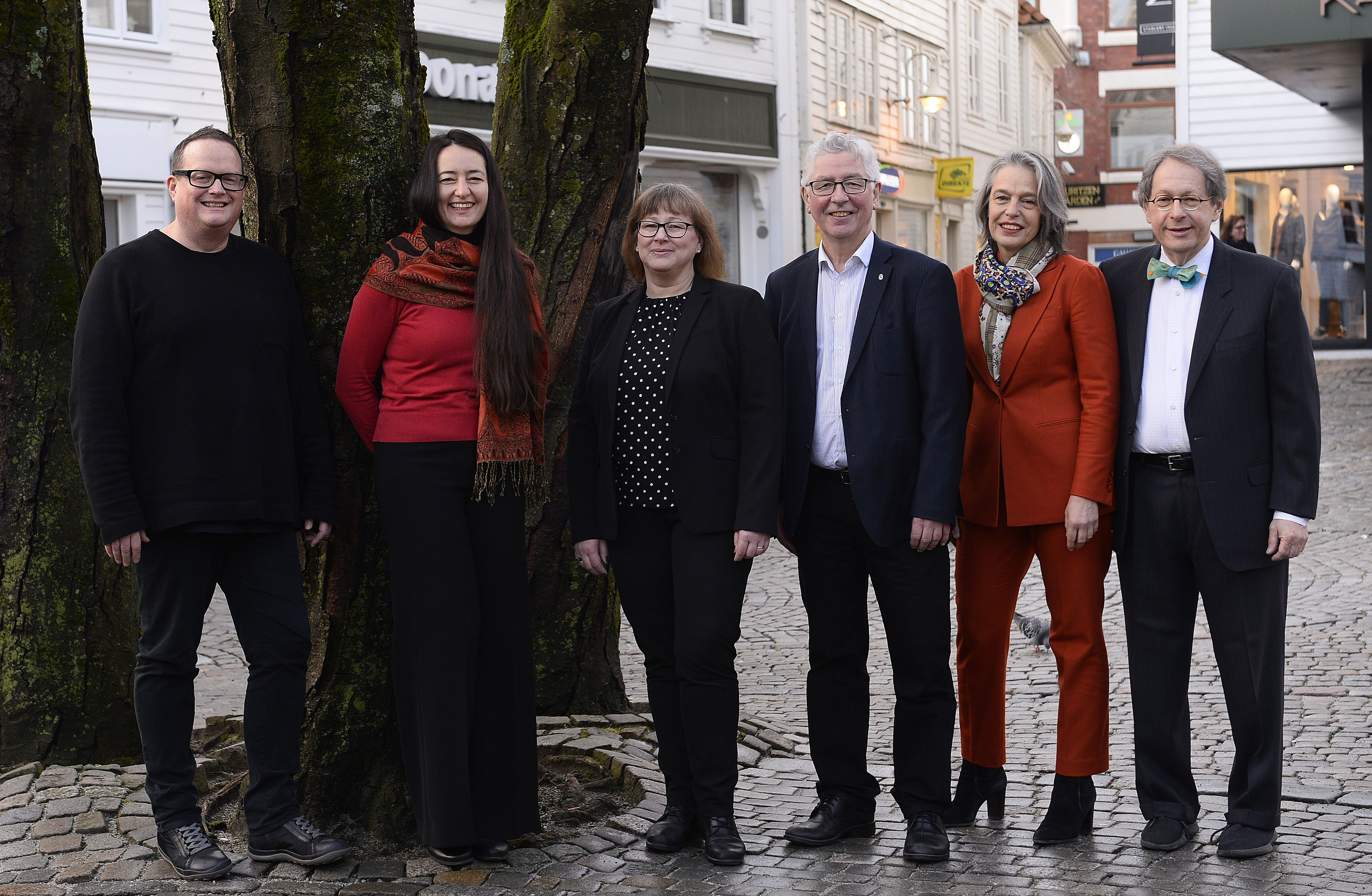 The ICORN Board (from 2018). From left: Chris Gribble, Chair of Board, Jasmina Rihar, Board Member, Annika Strömberg, Vice Chair, Henry Andersen, Board Member, Sabine Gimbrere, Board Member, Henry Reese, Board Member. Photo: Jonas Friestad. Photo.