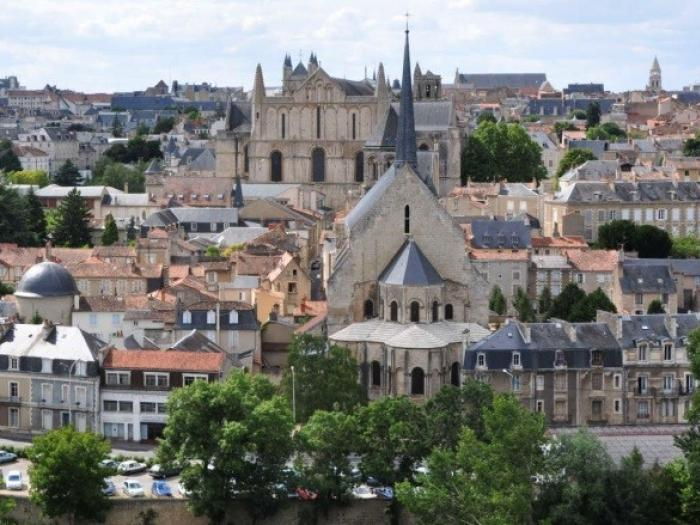 The City of Poitiers becomes a member of ICORN. 2018. Photo.