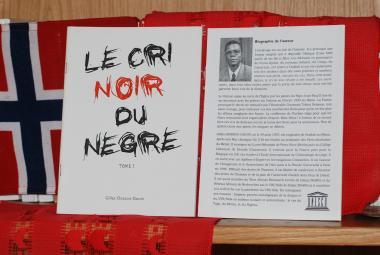 Le Cri Noir du Nègre. Photo.